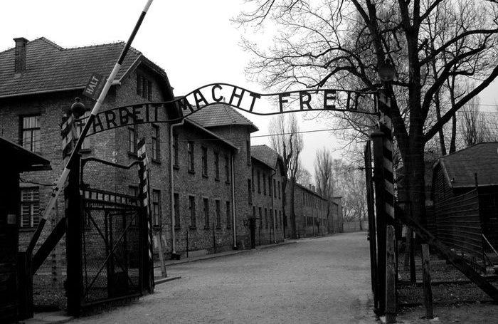 ¿Por qué se recuerda el 27 de enero el Día Internacional de Conmemoración del Holocausto?