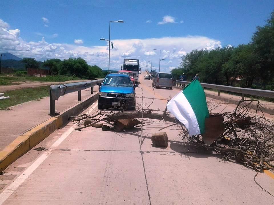 Policía informa que rutas están expeditas en el Chaco tras intento de bloqueo del pueblo Weenhayek