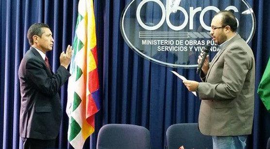 Excomandante de la FAB jura como director de Aeronáutica Civil