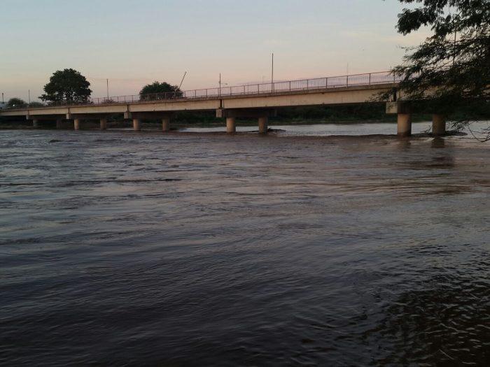 Menor de 6 años es arrastrado por la crecida del rio Pilcomayo en Tarija