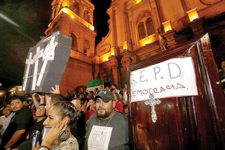 Iglesias católica y evangélica piden la abrogación total del Código Penal