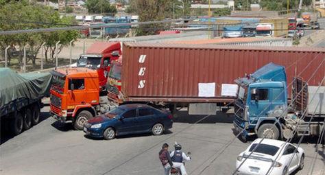 Dirigentes del transporte pesado anuncian más bloqueos de caminos