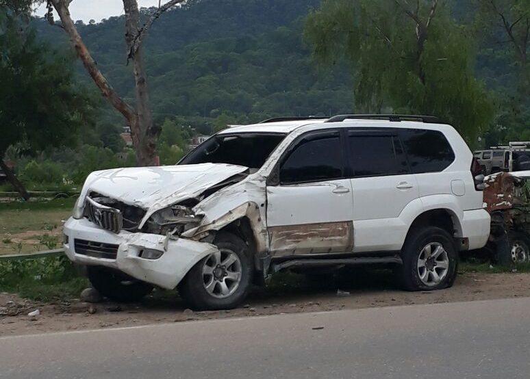 Vehículo oficial de Alcaldía de Bermejo sufre accidente al encontrarse el chofer en estado de ebriedad