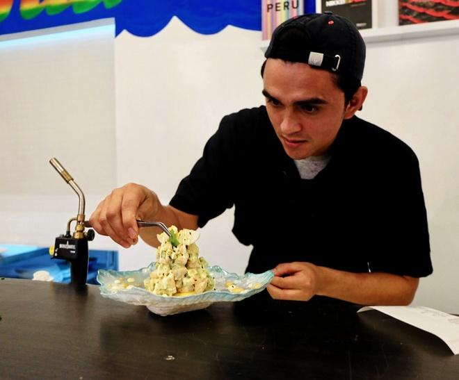 Del orfanato a la universidad para ser el mejor chef de Bolivia