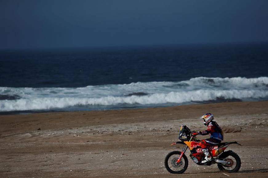 El desierto de Perú sigue dejando en la cuneta a los favoritos del Dakar