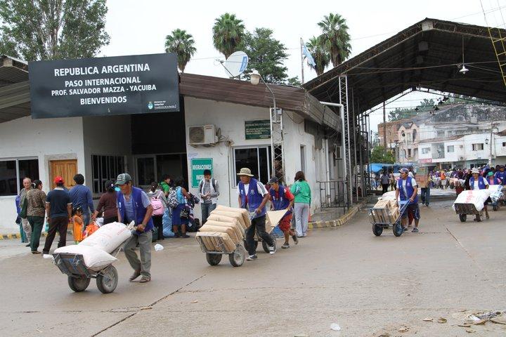Tarija: Bagayeros de Yacuiba prevén una segunda reunión con el embajador de Argentina