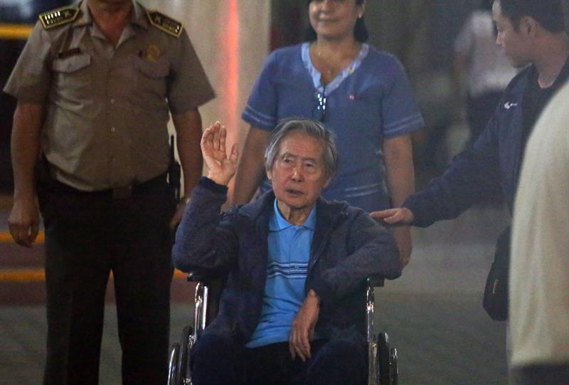 Guerra entre sus hijos afecta a Fujimori, cuya salud mejora