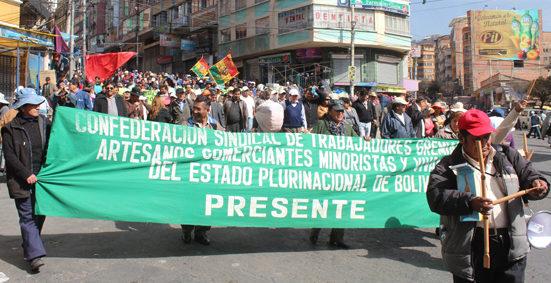 Gremiales rechazan artículos del Código Penal que dan cárcel por tributos