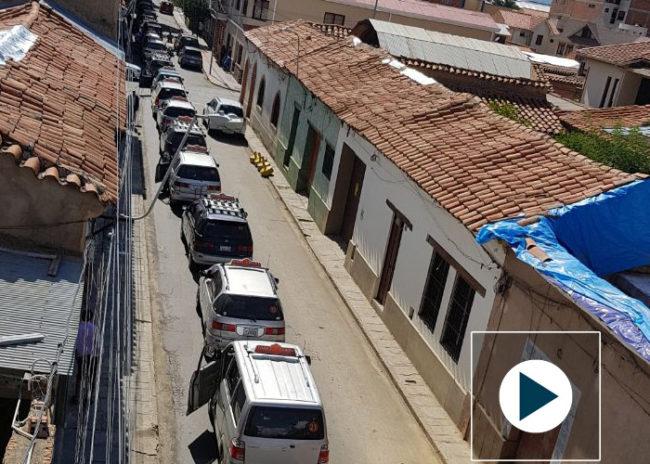 El transporte toma de forma masiva las calles de Tarija en protesta por el Código Penal