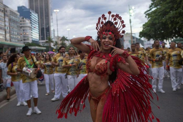 La carrera de obstáculos del primer carnaval de Rio con un alcalde evangélico