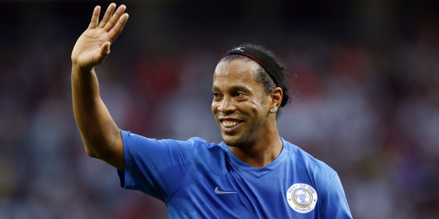 Ronaldinho se retira definitivamente del fútbol profesional