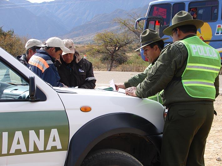 Tránsito intensifica los controles de verificación de SOAT en las trancas de Tarija