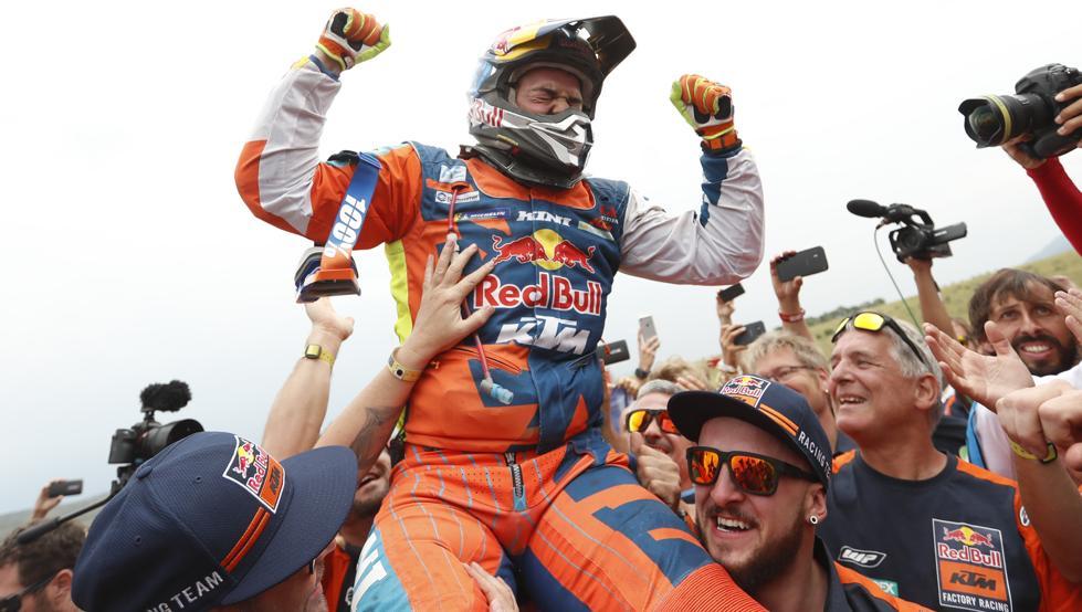 Walkner gana el Dakar y Benavides queda segundo en motos al llevarse la última etapa