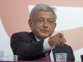 El izquierdista Andrés Manuel López Obrador, aspirante a la presidencia de México tiene ventaja contra sus competencia