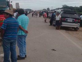 Santa Cruz: Se masifica el bloqueo de caminos en Cuatro Cañadas