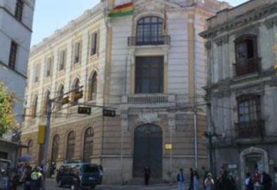 Alertan represalias y despido de abogados en la Cancillería