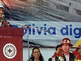 En la empresa Nacional de Fundición de Vinto en Oruro