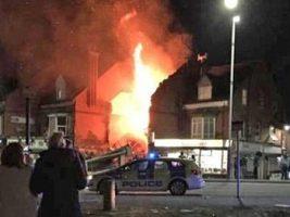 """Fuerte explosión en una tienda de Leicester: la policía aseguró que se trata de un """"incidente importante"""""""