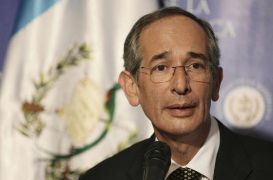 Expresidente de Guatemala es arrestado por supuesta vinculación en caso de corrupción