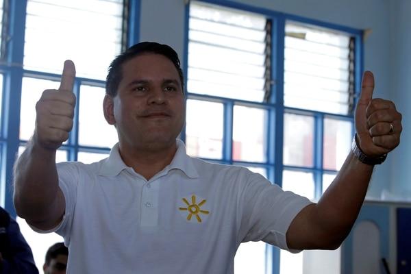 El candidato Fabricio Alvarado encabeza las elecciones presidenciales en Costa Rica, pero habrá segunda vuelta
