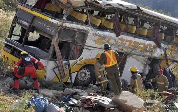 Accidentes en vía Cochabamba-Oruro dejan el saldo de 9 muertos y 14 heridos