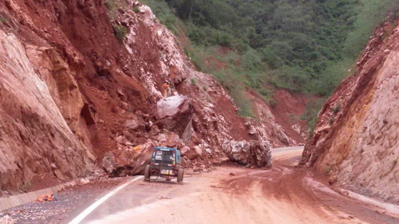 El transporte tarijeño permanece en emergencia por el mal estado de las carreteras