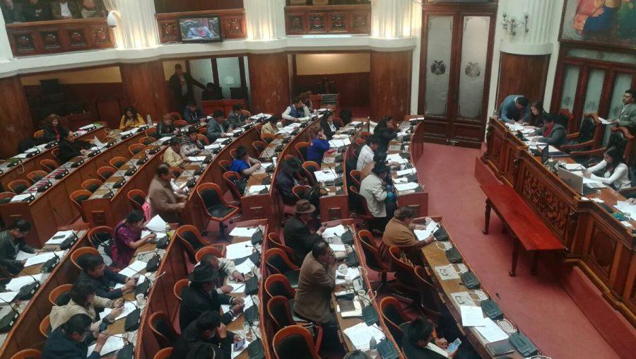Diputados instalan sesión para elegir a una nueva directiva