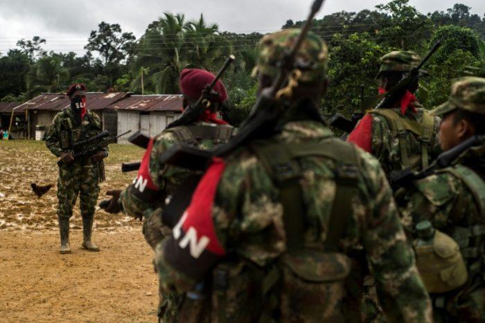 Guerrilla del ELN libera a seis rehenes en zona selvática de Colombia