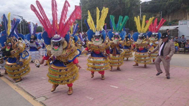 Tarija vive la variedad folclórica del país con la Entrada Integración