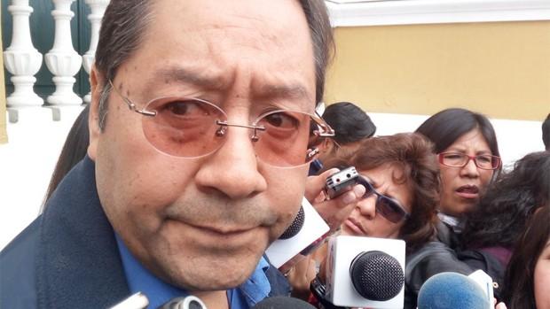 Ministro de Economía, Luis Arce Catacora, presenta renuncia irrevocable