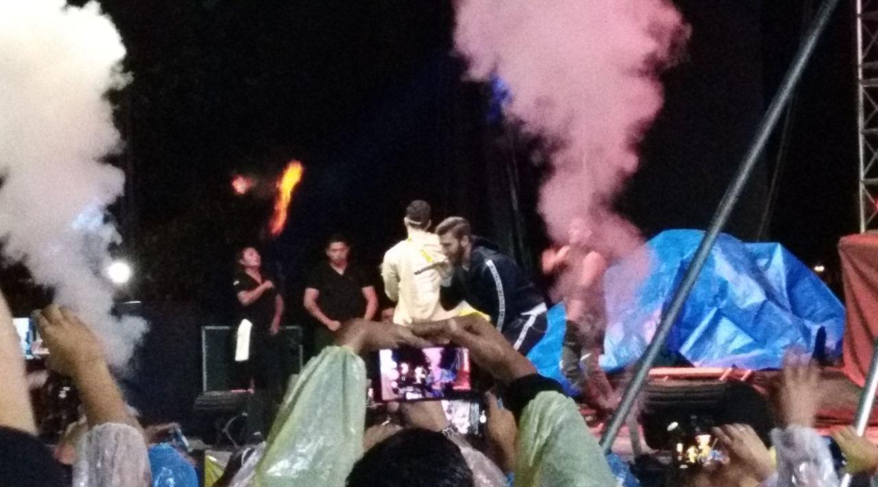 Manuel Turizo deleita a los fans tarijeños en un concierto pasado por agua y con sabor a poco