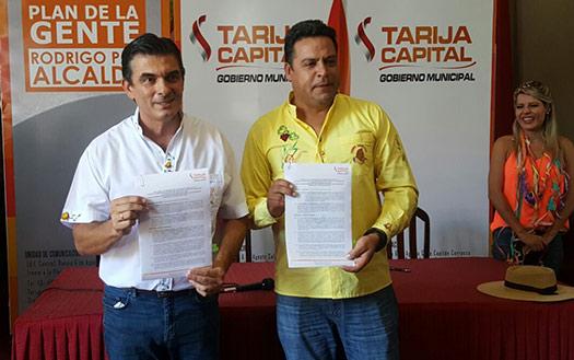 Alcalde Paz y Luis Revilla firman convenio para concretar empresa municipal de transporte