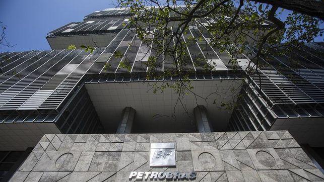 Las acciones de Petrobras se derrumbaron más del 21% luego de que Jair Bolsonaro nombrara a un general como director general