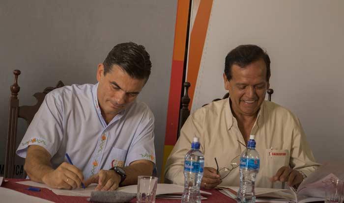 Alcaldía de Tarija y Caincotar firman convenio para organización de 'Fexpo Tarija 2018'