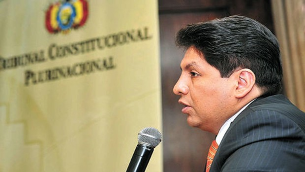 Exmagistrado Flores dice que su cargo en Cancillería no es un premio sino un derecho
