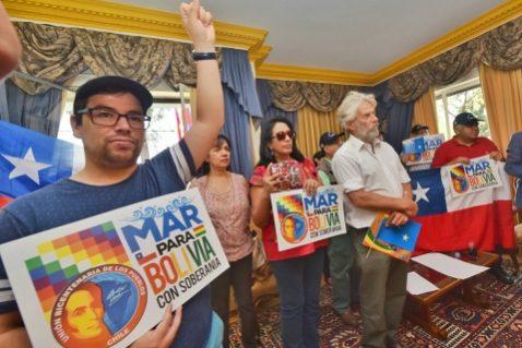 Afirman que la demanda marítima de Bolivia ahora está 'en la mesa' de las familias chilenas y piden diálogo