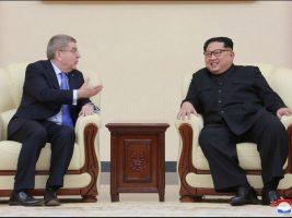 Kim Jong-un hace gala del aperturismo de Pyongyang y recibe al presidente COI
