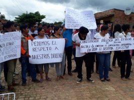 """Estudiantes de la Unidad Académica Multiétnica """"Lorenza Congo"""", en San Ignacio de Moxos (Beni)"""