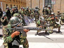 Militares octubre 2003 en Bolivia