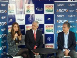 Gobierno firma convenio con el BCP