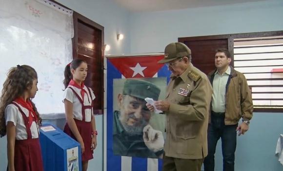 Instan a Raúl Castro a responder en la Cumbre de las Américas sobre atropellos de DDHH