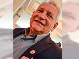 Gobernador Santa Cruz viaja a la Haya con broche del 21F