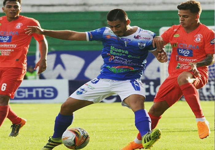 El tarijeño Sergio Villamil se adueña del mediocampo del Sport Boys