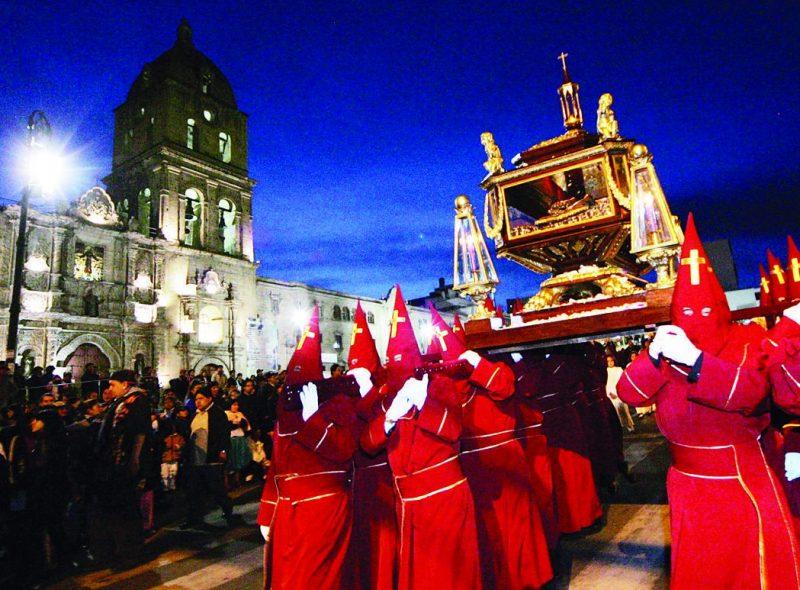 El tricentenario Santo Sepulcro paceño luce por su talla singular en América