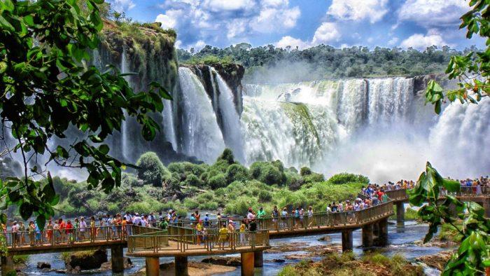 Salar de Uyuni, Toro Toro, Iguazú, las alternativas de viajes para los tarijeños en Semana Santa