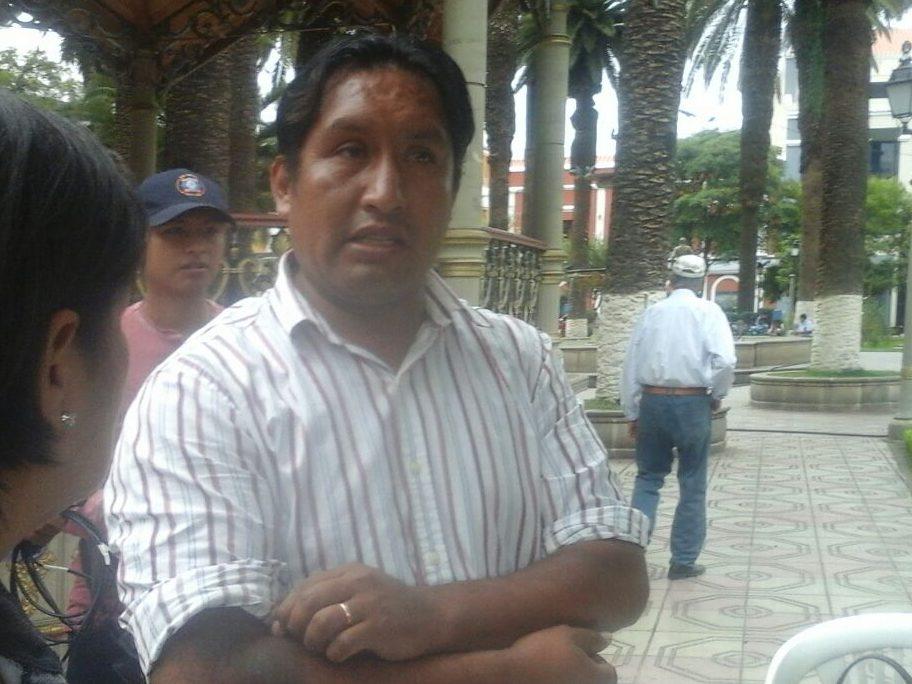 Denuncian que Edwin Rosas cobra un sueldo de 12.000 bolivianos de la Alcaldía