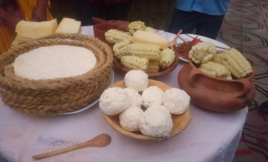 Tradición, música y comida típica en el festival Ganadero y del Queso en Uriondo