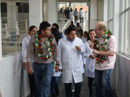 El gobernador de Tarija Adrian Oliva en hospital virgen de chaguaya de bermejo