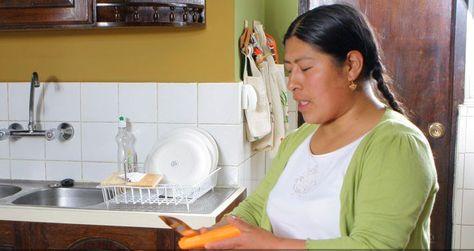 Evo saluda a las trabajadoras del hogar y reconoce su aporte al país