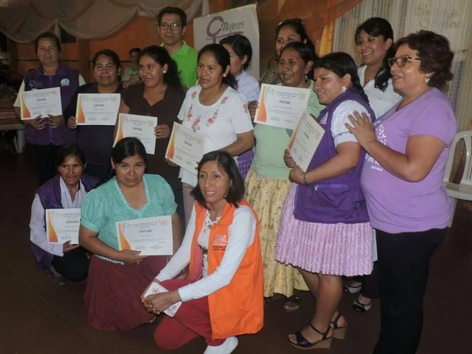 Reconocen a 10 trabajadoras asalariadas del hogar de la asociación 30 de marzode Tarija